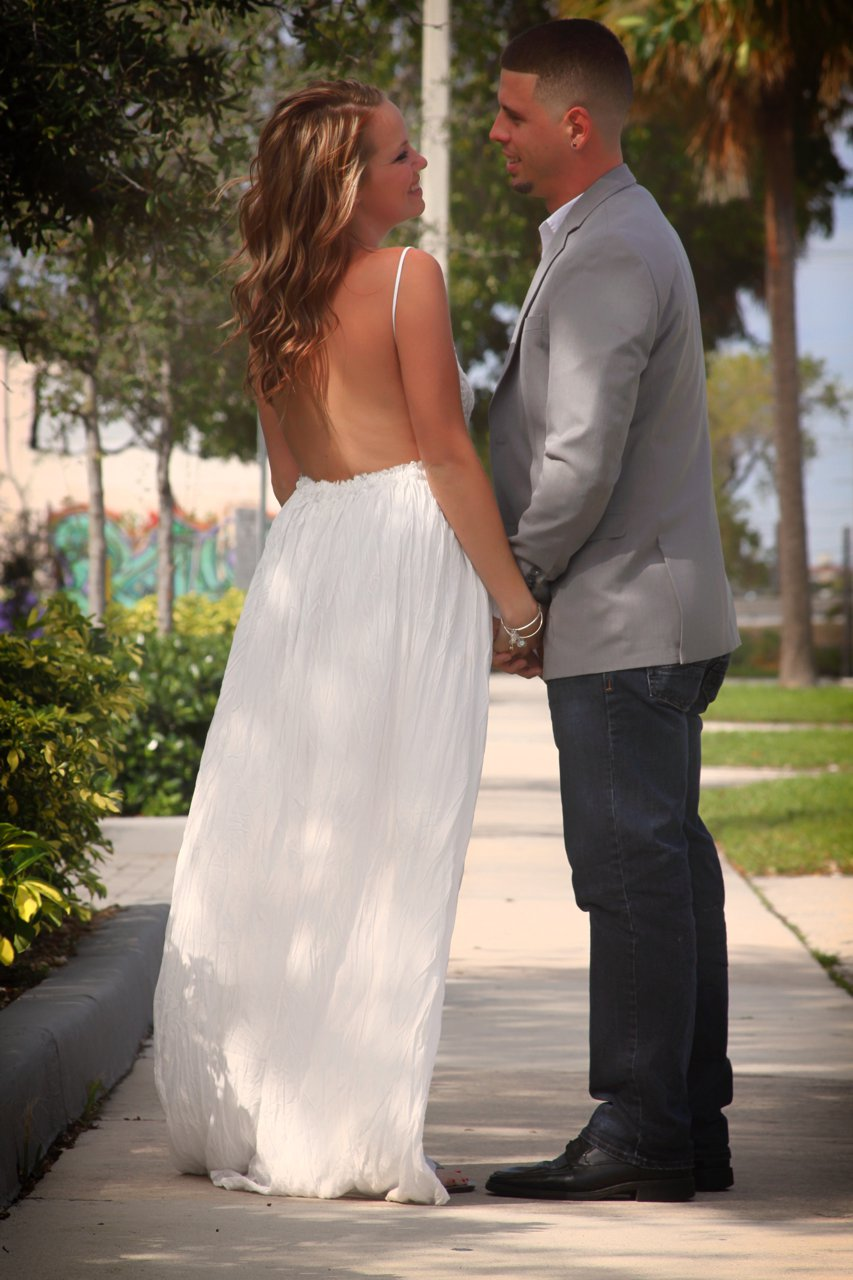 Tips For Getting The Best Beach Wedding Pictures